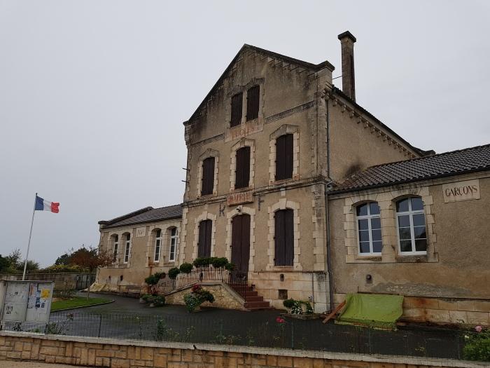 École et mairie de Saint-Michel-de-Double